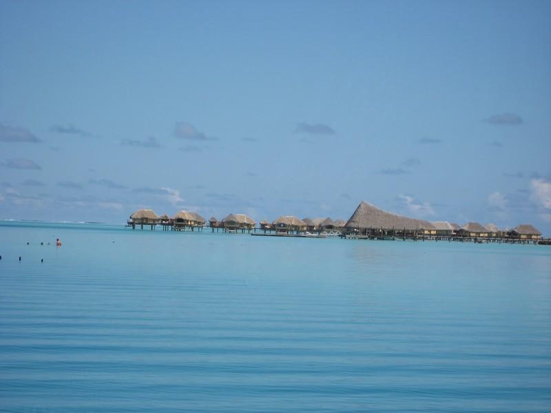 les hotels dans le lagon de Bora