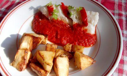 Cabillaud au piment d'Espelette, coulis de poivron et panais