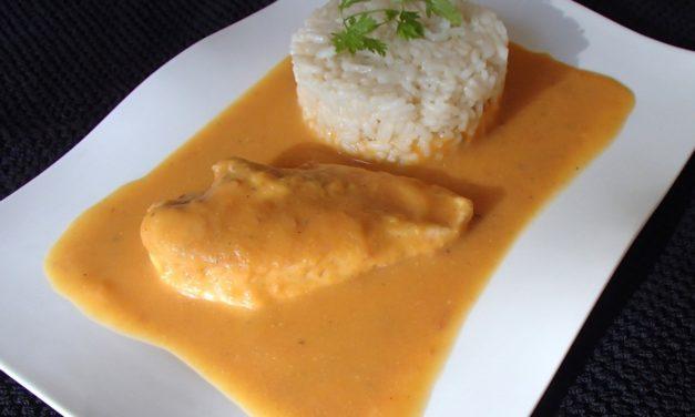 Filet de poulet poché, à la purée de potiron et carottes