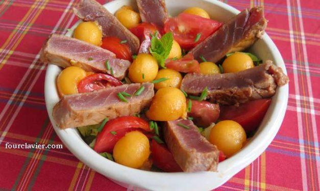 Thon rouge mi-cuit, tomates et melon